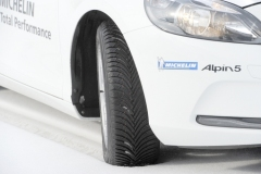 Opona 215/45R16 MICHELIN ALPIN 5 XL 90V E/B/1 71dB